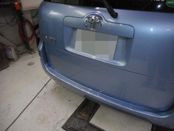 神戸市 トヨタシエンタ フェンダー、ドアパネル修理
